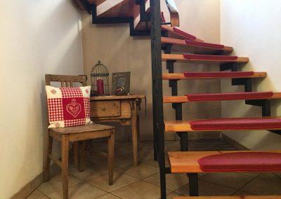 Treppenhaus im Haus Piz Buin 800