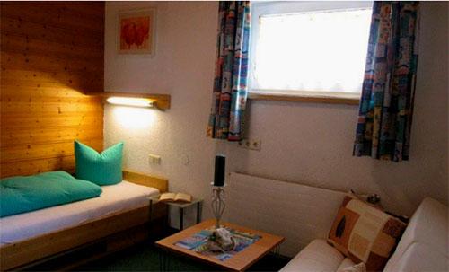 Einzelzimmer im Haus Piz Buin